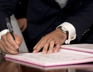 Firma di un accordo - Servizi